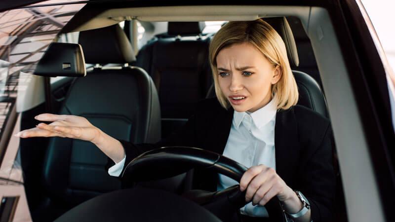 Miért áll le az autó menet közben