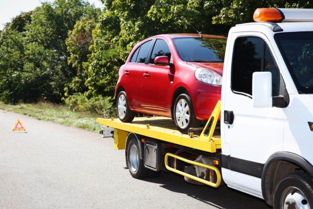 sérült jármű vontatása